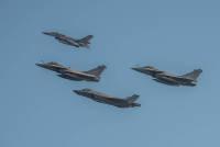 ニュース画像:フランス海軍空母打撃群とオランダ空軍F-35、空中戦訓練を実施
