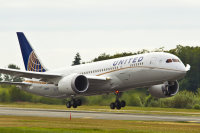 ニュース画像:ユナイテッド航空、5月の搭乗者数は前年同月の1日分も雇用守る方針