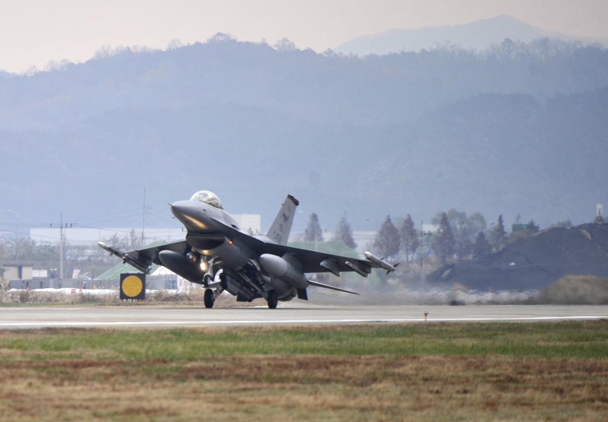 在韓米空軍51FW、烏山基地滑走路工事のため水原基地へ移動 | FlyTeam ニュース