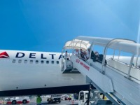 ニュース画像:デルタ航空、送還便運航で28,000人以上のアメリカ帰国を支援
