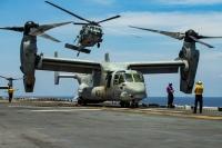 ニュース画像:強襲揚陸艦アメリカとF-35B、南シナ海で飛行訓練