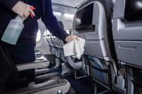 ニュース画像:アメリカン、5月から搭乗者に除菌アイテムを提供 機内清掃強化も実施