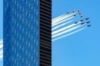 ニュース画像 4枚目:上空を展示したブルーエンジェルズとサンダーバーズ
