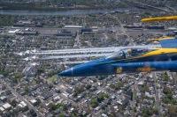 ニュース画像 9枚目:上空を展示したブルーエンジェルズとサンダーバーズ