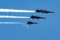 ニュース画像:ブルーズとバーズによる感謝の展示飛行、ワシントンD.C.上空へ