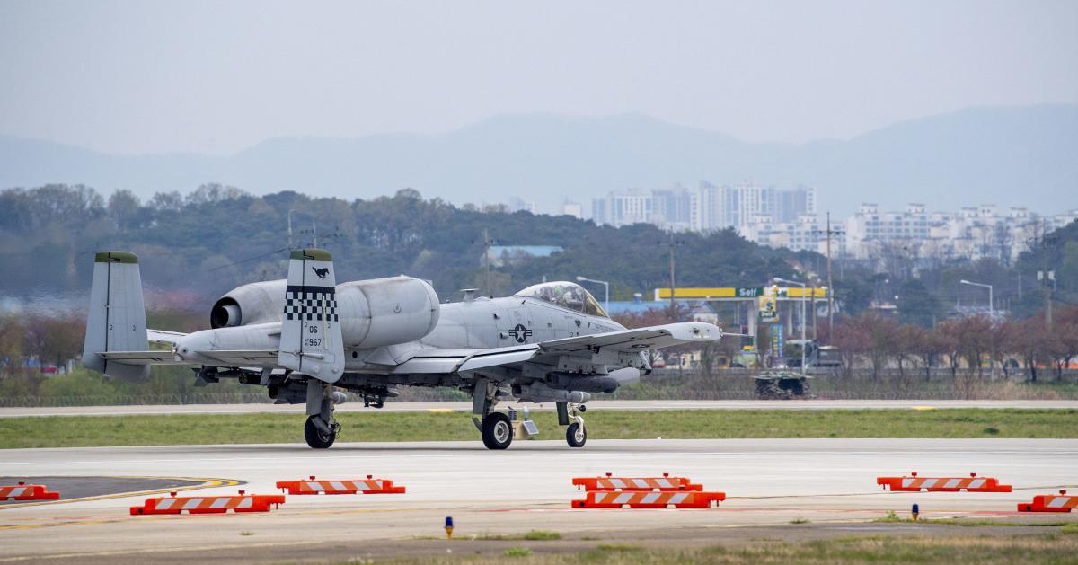 ニュース画像 1枚目:烏山空軍基地で離陸前のA-10CサンダーボルトII