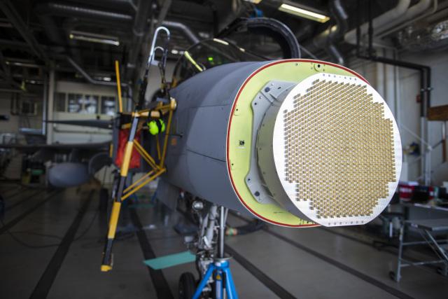 ニュース画像 1枚目:新型AESAレーダー
