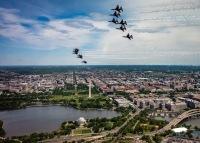 ニュース画像:ブルーズとバーズ、ホワイトハウスや国防総省の上空を飛行 全国ツアーで