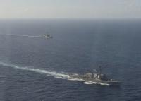 ニュース画像:アメリカ海軍駆逐艦ポーター、フランス海軍ラファールMと防空演習