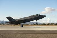 ニュース画像:オーストラリア空軍のF-35AライトニングII、ルーク空軍基地に到着