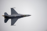 ニュース画像:アメリカ空軍PACAFのF-16デモチーム、新しいパイロットに交代