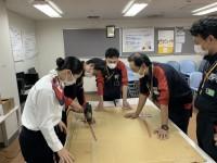 ニュース画像:JAL大阪空港支店、豊中市に医療用品を寄付 ポリ袋防護服作製に協力も