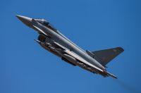 ニュース画像:イギリス空軍タイフーン、イラクの洞窟に潜むISILを攻撃