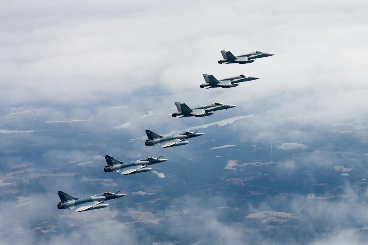 ニュース画像 1枚目:ミラージュ2000-5とF/A-18C
