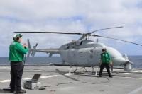 ニュース画像:アメリカ海軍MQ-8C飛行試験、ノースロップ・グラマンがサポート