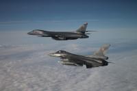 ニュース画像 3枚目:ポーランド空軍のF-16とB-1Bランサー