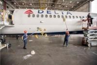 ニュース画像:デルタ航空、300人の従業員ボランティアが航空機21機を徹底清掃