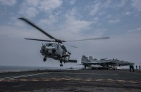 ニュース画像:5カ国の海を飛ぶMH-60Rシーホーク