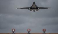 ニュース画像:B-1Bランサー、日本海と沖縄で編隊航法訓練 空自F-15とF-2