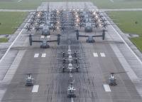 横田基地、5月21日に編隊飛行訓練「サムライ・サージ」の画像
