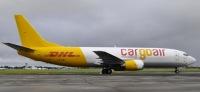 ニュース画像:AEI、DHL向けの737-400貨物改修機をカーゴ・エアに納入