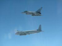 RAFタイフーン、IL-20MとSu-27迎撃 リトアニアで6月4日の画像