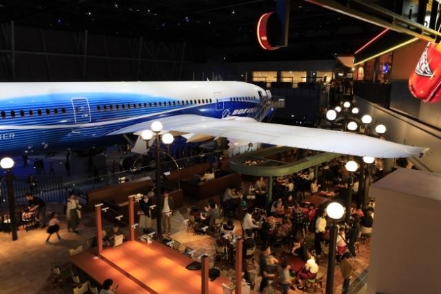 ニュース画像 1枚目:FLIGHT OF DREAMS、シアトルテラスを望む