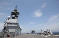 ニュース画像:日米共同訓練、「かが」でアメリカ陸軍UH-60Lが着艦訓練を実施