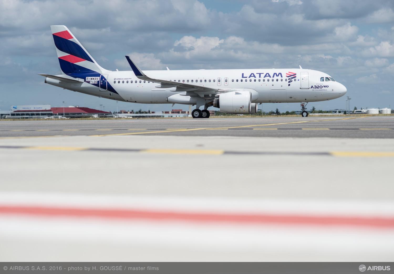 ピーチ、7月22日から国内線全便の運航再開 8月から増便