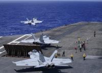 ニュース画像:空母セオドア・ルーズベルトとニミッツ、フィリピン海で共同作戦を開始