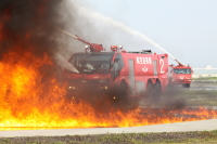 小牧基地、7月2日に航空機救難消防訓練を実施の画像