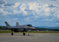 ニュース画像:F-35A3機がイールソン空軍基地に到着 配備数2倍に