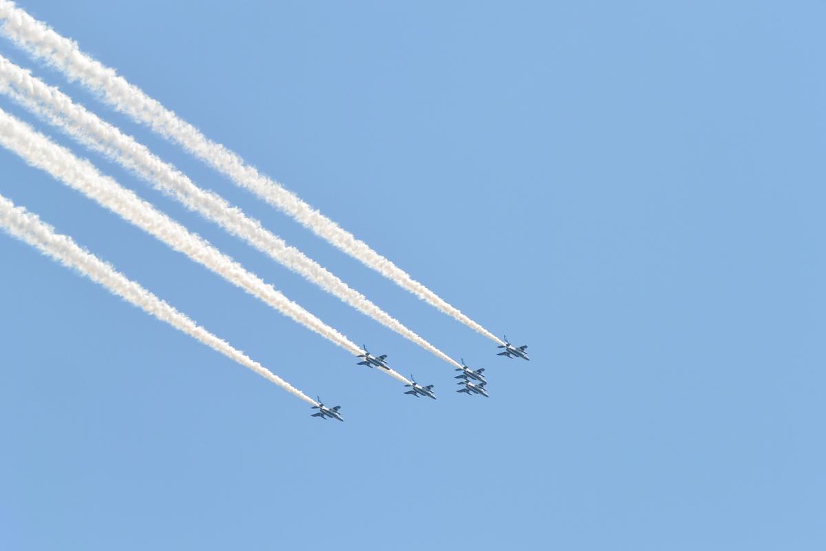 ニュース画像 1枚目:東京都心を飛行したブルーインパルス