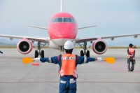 静岡空港の制限エリアやきかんしゃトーマス号整備工場の見学ツアーの画像