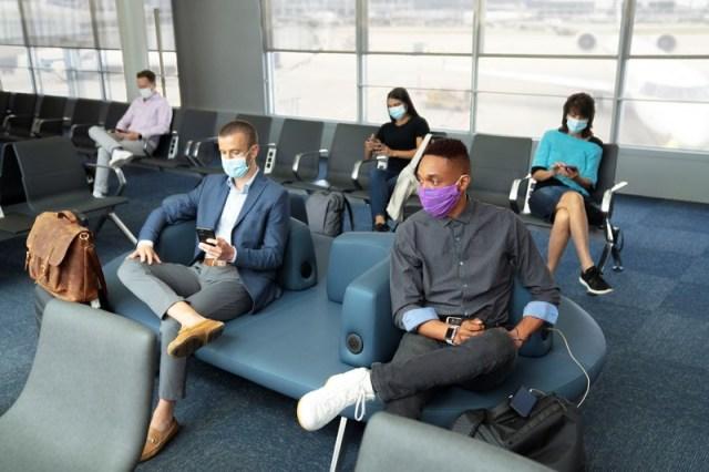 ニュース画像 1枚目:ユナイテッド航空、空港でもマスク着用が義務に