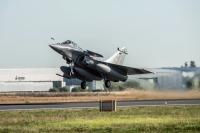 インド空軍、フランスからラファールを受領の画像