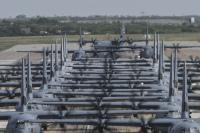 33機のC-130J、史上最大の編隊飛行 統合強行侵入演習の画像