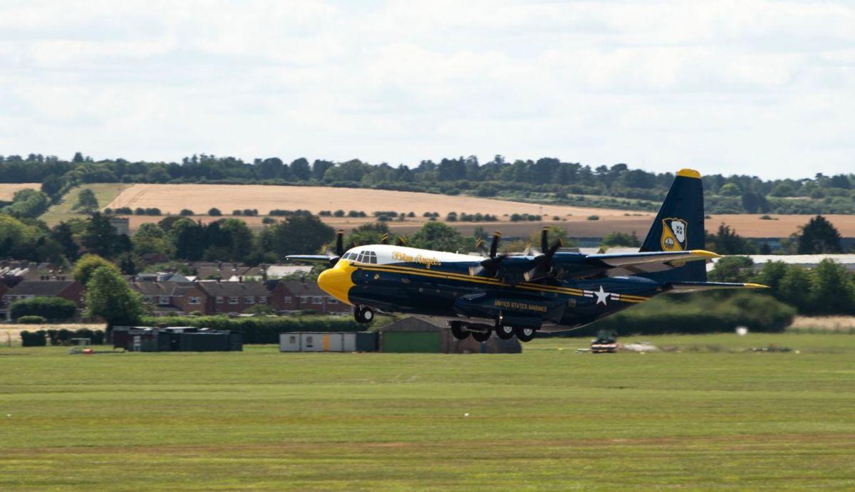 ニュース画像 1枚目:ケンブリッジ空港を離陸するファット・アルバート