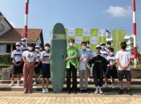 ソラシドエア、宮崎・青島中学校サーフィン部にサーフボードなど寄贈の画像