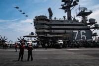 アメリカ海軍・空軍、日本近海で統合訓練の画像