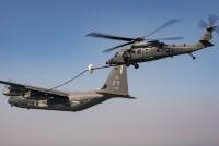 HH-60WジョリーグリーンⅡ、HC-130Jから初の空中給油の画像