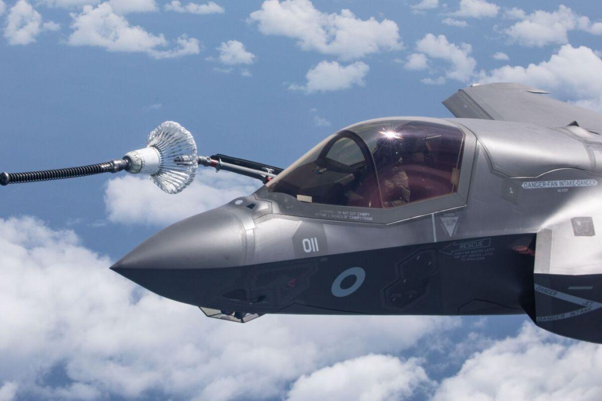 ニュース画像 1枚目:給油中のF-35BライトニングII