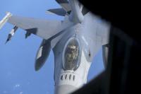 ニュース画像 2枚目:KC-135からF-16へ空中給油