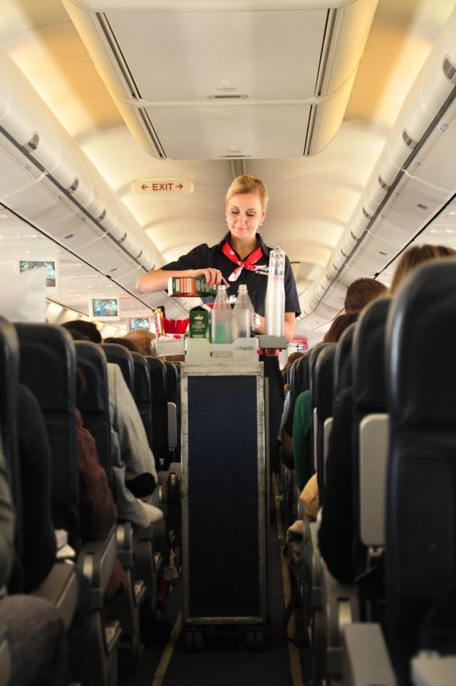 ニュース画像 1枚目:クリスマス・イブはニューヨーク便に乗務するエア・ベルリンのKayさん