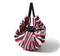 ニュース画像:JAL新制服のスカーフ柄エコバッグ、JALショッピングなどで販売