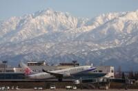 ニュース画像:富山空港、空フェス開催 消防ヘリ救助訓練は14時から