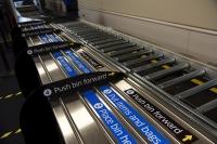 ニュース画像:デルタ航空、保安検査場に抗菌トレー導入 アメリカ5空港