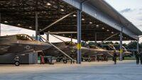アメリカ海兵隊F-35B、イギリス初訪問の画像