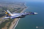 ニュース画像 3枚目:飛行教育航空隊創隊20周年記念塗装「12-8054」