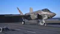 ニュース画像 3枚目:空母ニミッツから発進するF-35C